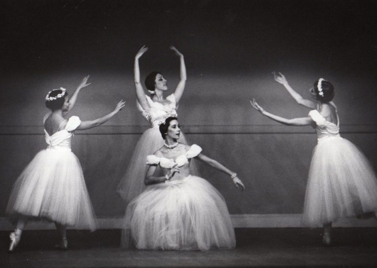 4 Ballet company performers in traditional tutus